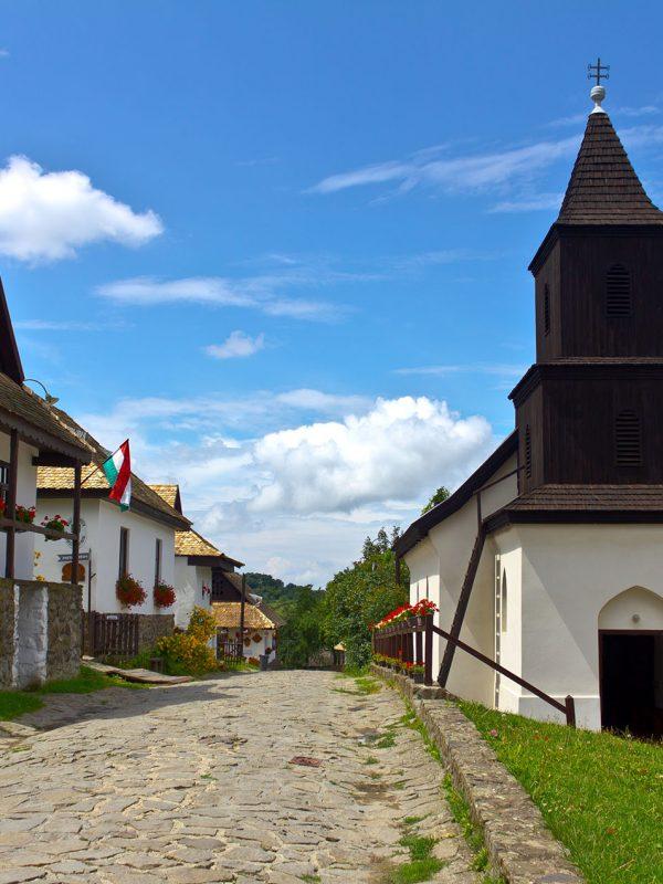 Private Full-Day Tour in Gödöllő Sisi Castle and Hollókő