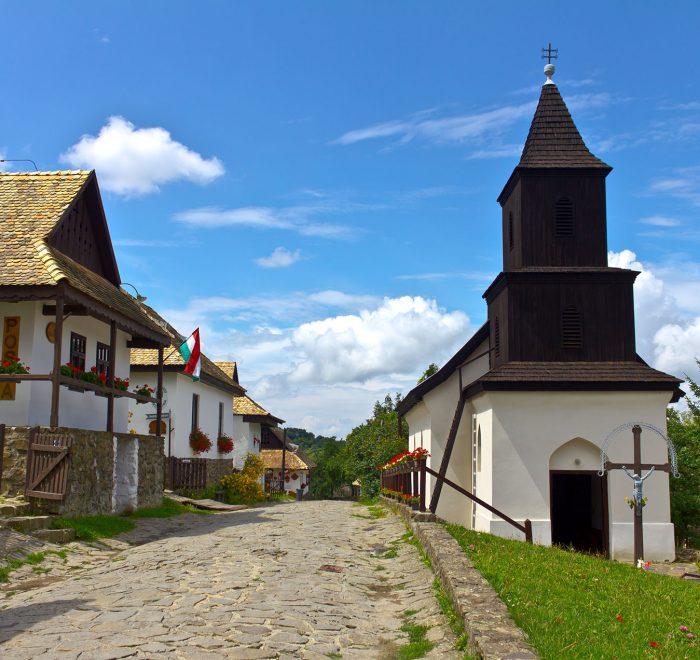 Private Full-Day Tour in Gödöllő Sisi Castle and Hollókő